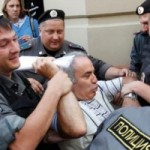 Gran Maestro de ajedrez Gari Kaspárov detenido por las Pussy Riot