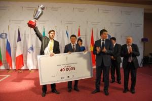 Grischuk, campeón mundial 2012 de Blitz (3 minutos + 2 segundos por jugada)