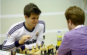 Magnus Carlsen en el mundial de rapidas 2014