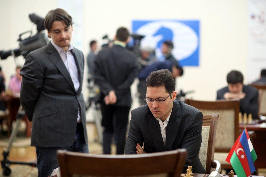 Morozevich observa a leko grand prix ajedrez 2012 tashkent